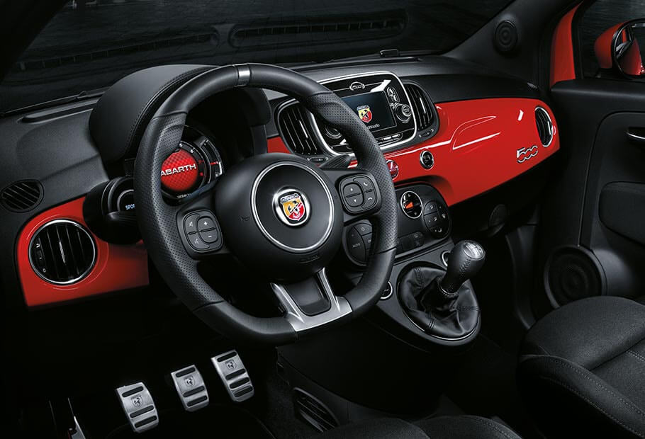 nuova abarth 595 sali a bordo e parti abarth. Black Bedroom Furniture Sets. Home Design Ideas