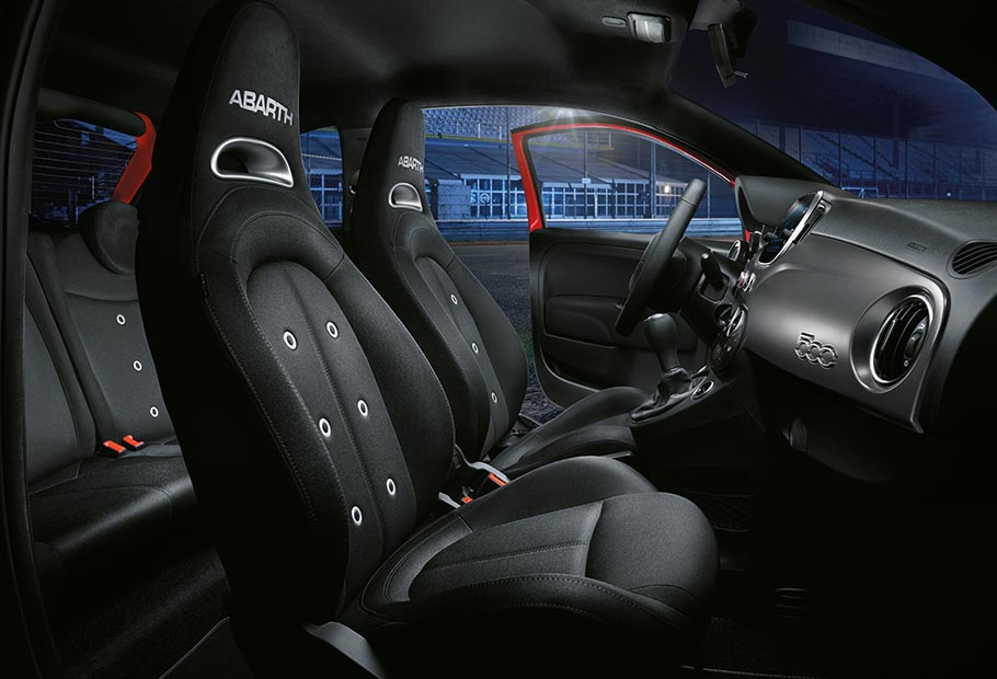 nuova abarth 595 pista connecting performance abarth. Black Bedroom Furniture Sets. Home Design Ideas